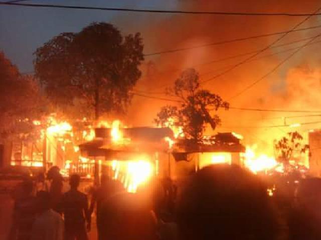 Jago Merah mengamuk, 8 Unit Rumah di Tembilahan Ludes Jadi Abu