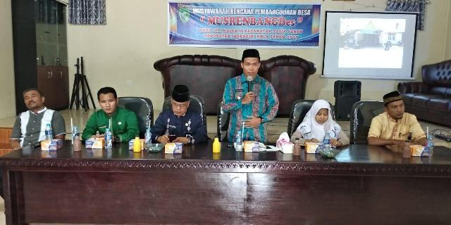 Desa Airmolek II Musrenbangdes Paparkan Program Pakai Infokus