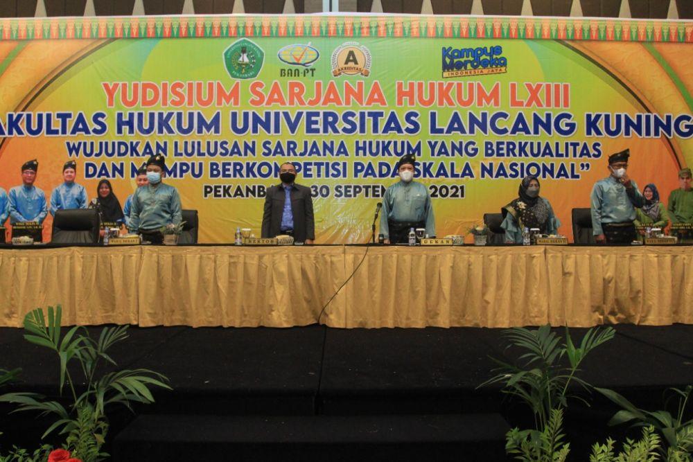 Unilak Gelar Yudisium LXIII, 235 Mahasiswa Resmi Raih Gelar Sarjana Hukum