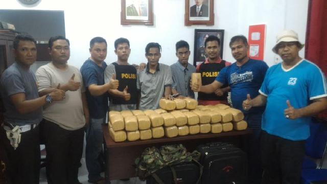 Dua Warga Aceh Diamankan, Setelah Polisi Inhu Menemukan 48 Kg Ganja