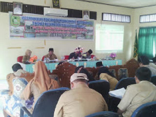Anggota DPRD Meranti Kecewa Dengan Tidak Hadirnya Pejabat Desa