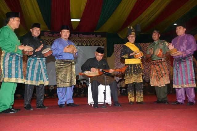 Festival Siak Bermadah  dibuka Langsung oleh Gubernur Riau