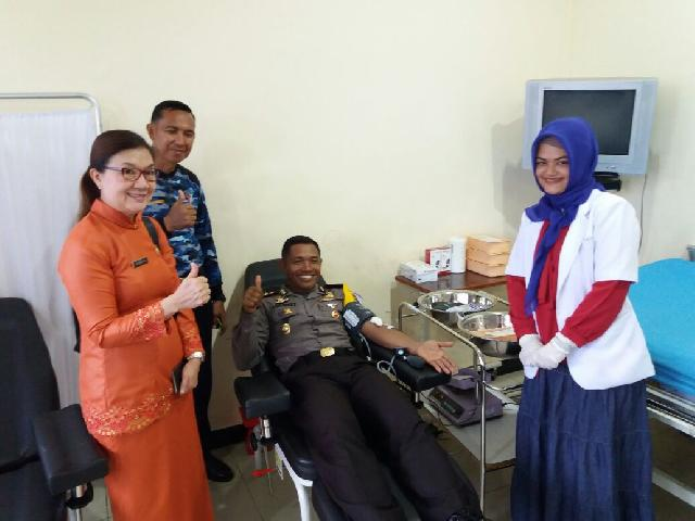 Kapolres Meranti Donor Darah di HUT Satpam ke 37 di RSUD