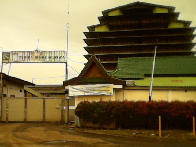 Diduga Limbah B3 Pabrik Karet PT TSR Rengat di Buang  Kesungai Indragiri