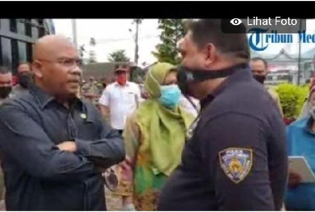 Anggota DPRD Nyaris Baku Hantam dengan Petugas, karena Timbangan Bantuan Sembako yang Berkurang