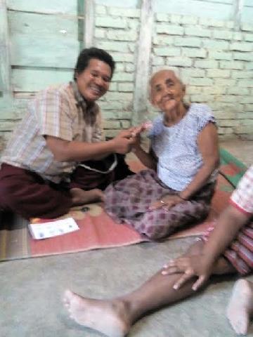 Sebanyak 37 Lansia di Siak Terima Bantuan Dana dari Kementrian Sosial