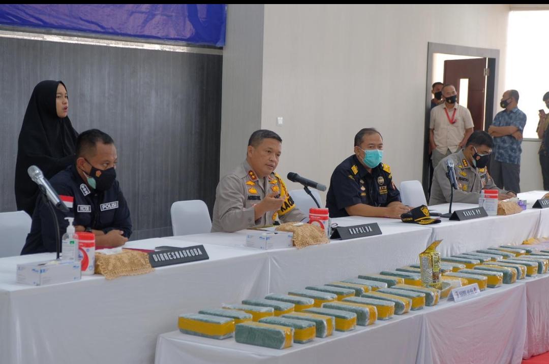Polda Riau Sita 40 KG Sabu Dan 50.000 Butir Ekstasi Hari Kesepuluh Operasi Antik
