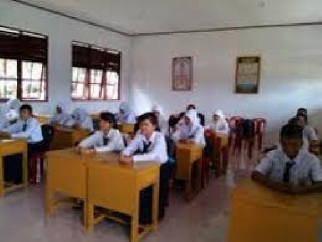 UN, SMP Negeri 2 Sinaboi Berjalan Lancar