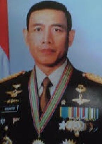 Terluka Dibagian Perut, Menko Polhukam Wiranto Diserang Orang Bersenjata Tajam