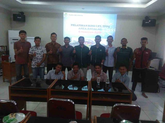 10 Pemuda Magang di Workshop PT TPP4