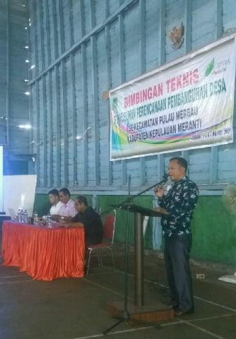 Ketua Komisi 1 Edi Mashudi,Buka Bimtek Penyusunan Perencanaan Pembangunan Desa 2018