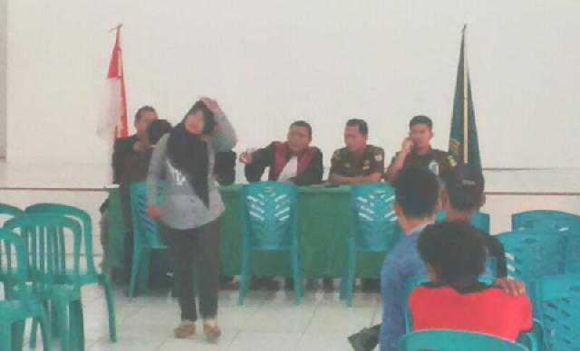 Puluhan Warga di sidang di Aula Kodim 0320 Dumai