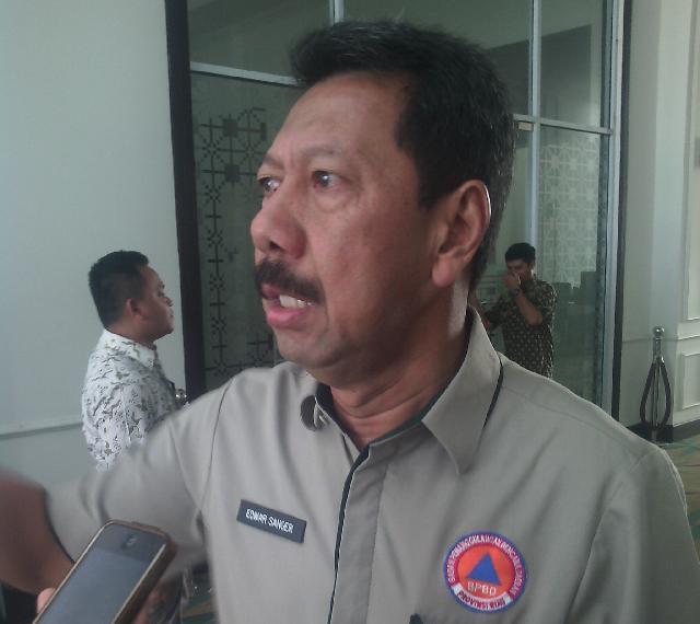 Jalur Darat Belum Dapat Diakses Roda empat, BPBD Riau Salurkan Logistik Lewat Udara