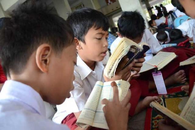 Di Kabupaten Ini Masuk SD Harus Bisa Baca Alquran