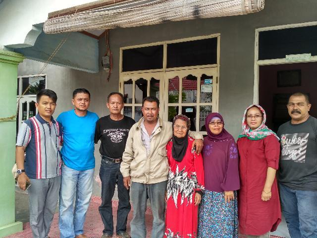 Pemuda Agam Pulangkan Amak Fatimah ke Pihak Keluarga