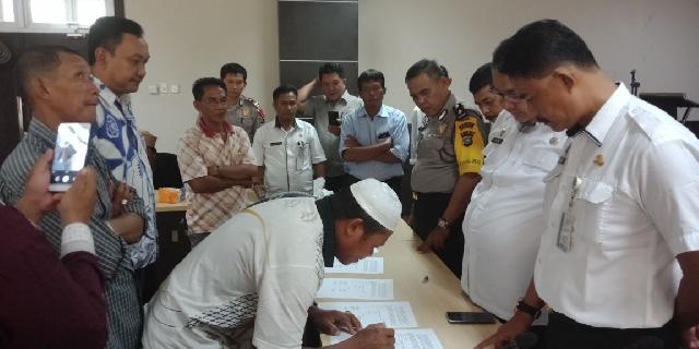 Pemkab Inhil Mediasi PT BPLP Dengan Kelompok Masyarakat Desa Seberang Sanglar