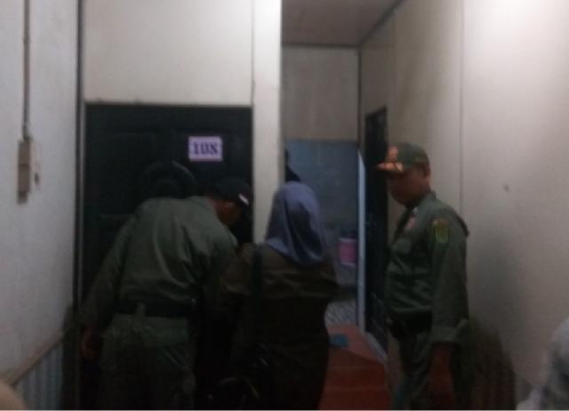 Empat Pasang Mesum Dipergoki Dalam Wisma di Tembilahan