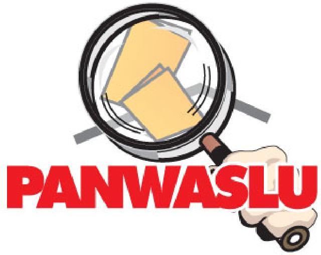 Panwas Rohil Tertibkan Kembali APK Milik Paslon Bupati dan Wakil Bupati