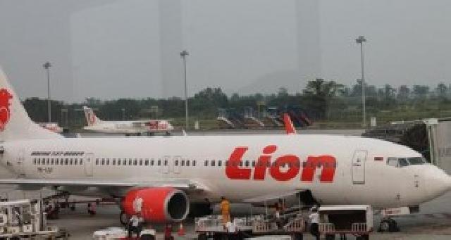 Bandara SSK II Pekanbaru Rusak, Delegasi PWI Riau Mendarat di Palembang