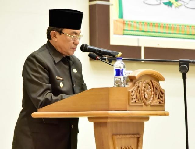 Wardan Sampaikan LKPJ Bupati Inhil Tahun Anggaran 2016