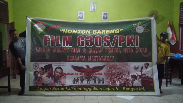 Nobar Film G-30'S PKI, DPC LMR Tebing Tinggi 'Gandeng' Pemuda Nusa Indah
