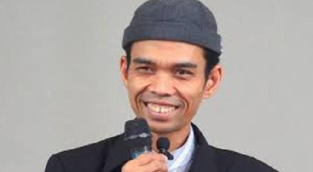 Hasilkan Rp400 Juta dari Youtube, UAS Habiskan buat Sumbang Fakir Miskin