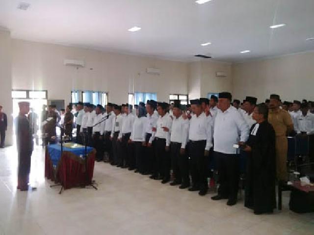 Sekdakab Rohul Lantik 280 Anggota BPD Di Gedung Dharma Wanita Permaisuri