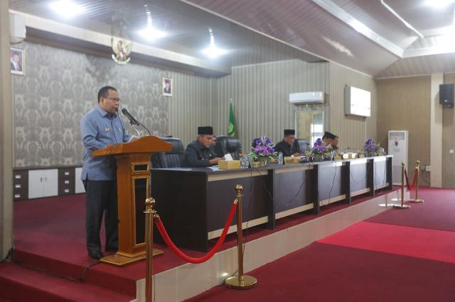 Bupati Meranti Ikuti Paripurna Pengesahan RAPBD Meranti 2019, Legislator Setujui Sebesar 1.4 Triliun