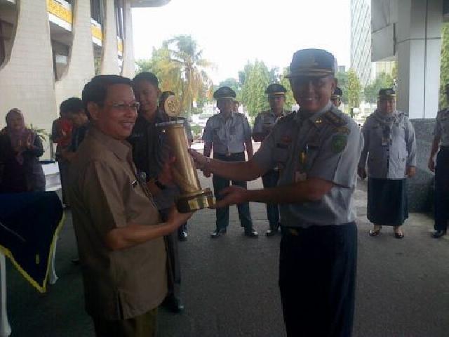 Hore...!!! Piagam WTN Wiratama Tiba di Kantor Gubernur Riau