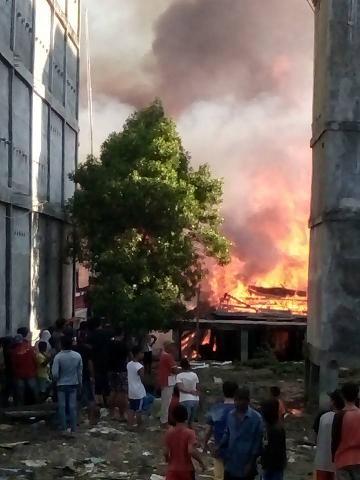 Kebakaran Hebat di Palika, 16 Unit Rumah Ludas Terbakar