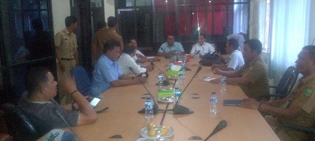 DPRD Inhu Dan Inhil Gelar Rapat Bahas Pembangunan Jalan Lintas Kabupaten