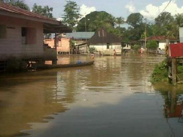 Ratusan Rumah Di Gunung Sahilan Kampar Masih Digenangi Banjir