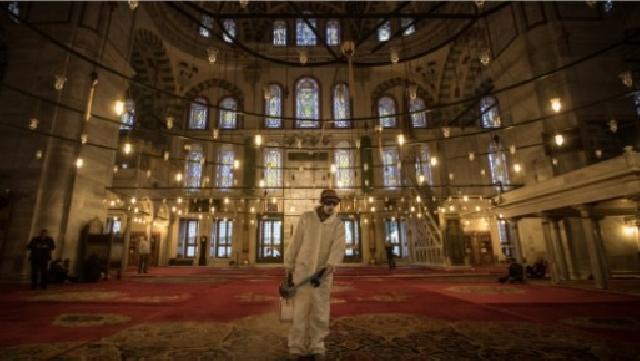 Pilih Masjid Mewah Atau Rumah Duafa