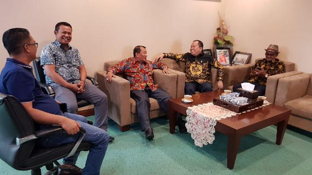 Bupati Meranti Datangi Kemenag RI Bahas Usulan Embarkasi Haji Batam Untuk Jema'ah Haji Meranti