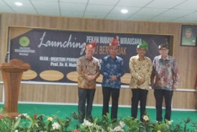 Mendikbud Launching Kegiatan Pekan Budaya dan Wirausaha Riau Bertanjak