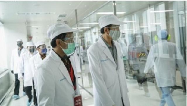 Jokowi Siap Jadi yang Pertama Disuntik Vaksin Corona