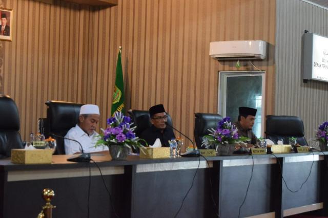 Wakil Bupati Meranti Ikuti Rapat Paripurna Pandangan Fraksi Terhadap Nota Keuangan RAPBD 2019