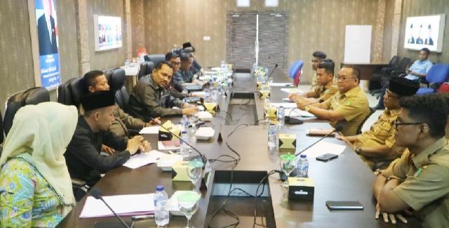 Komisi I DPRD Kabupaten Kepulauan Meranti Gelar Rapat Perdana Bersama Disdukcapil