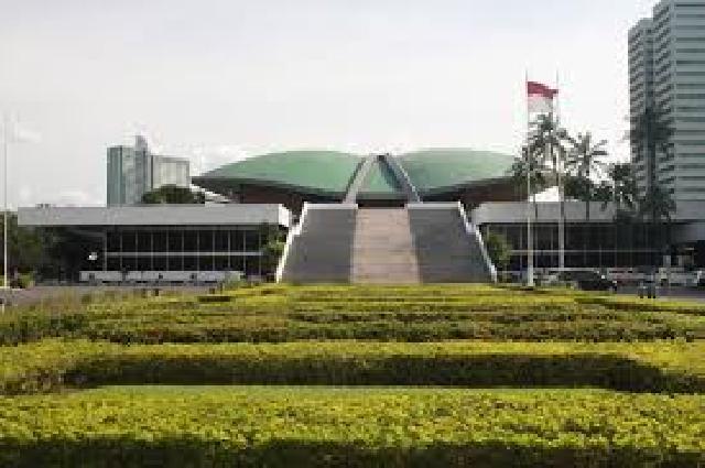 Komisi II Usulkan Masa Jabatan Anggota DPR dan DPRD Perlu Dibatasi