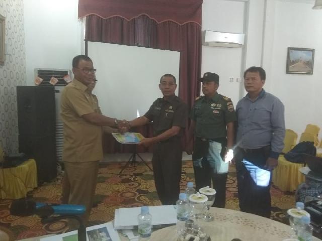 Pemda Rohil Menerima Kesepakatan Batas Riau-Sumut Berdasarkan Permendagri