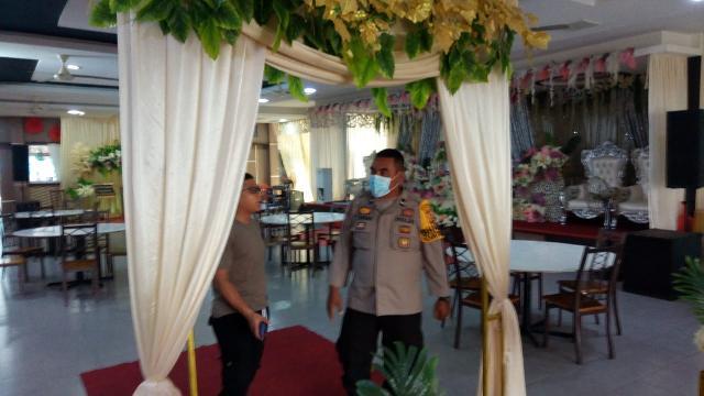 Polisi Pantau Protokol Kesehatan pada Resepsi Pernikahan