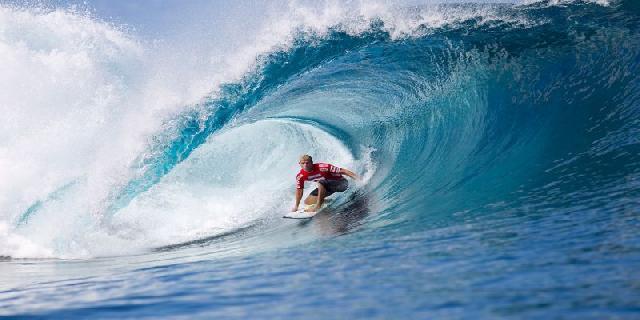 Surfing Adalah Olahraga yang Menantang Untuk Dicoba