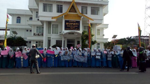 Ratusan Pelajar Bagansiapiapi Gelar Aksi Penolakan Perayaan Malam Valentine Day