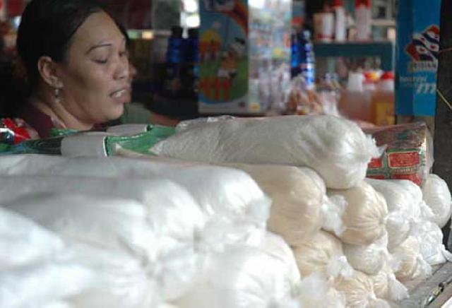Stabilkan Harga, Kemasan Gula Pasir Bakal diLengkapi Label Harga