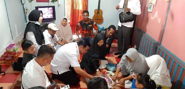 Sekda Meranti Yulian Norwis Mendatangi Rumah Kediaman Bayi Usus di Luar