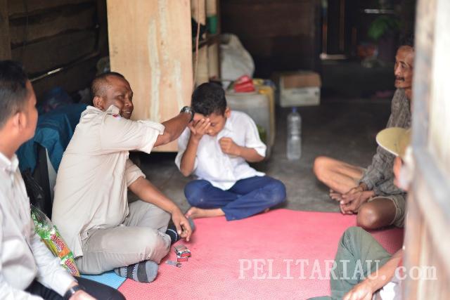 Komunitas FR Rohil Bantu Keluarga Miskin di Rimba Melintang