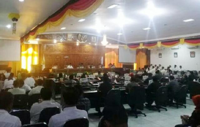 Sidang Paripurna DPRD Kuansing, Ini Jawaban Bupati Terhadap Pandangan Fraksi