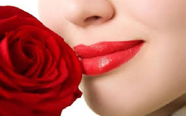 Ini 3 Langkah Mudah Dapatkan Bibir Lebih Cerah Merah Merona