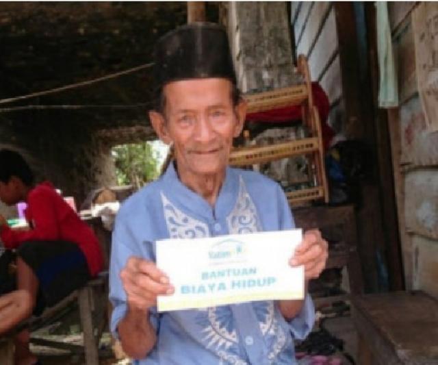 11 Lansia Dhuafa di Riau Terima Bantuan Biaya Hidup