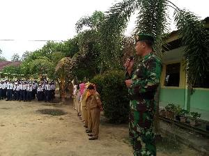 https://pelitariau.com/assets/berita/thumb/kecil-99930840777-babinsa_kampung_tualang.jpg